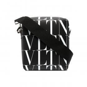 VALENTINO ALL OVER 'VLTN' MESSENGER BAG IN BLACK/WHITE
