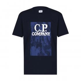 CP COMPANY JUNIOR CAMO LOGO T-SHIRT IN NAVY