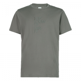 CP COMPANY CLASSIC LOGO T-SHIRT IN OLIVE GREEN
