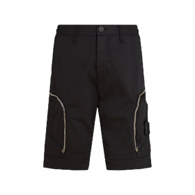 STONE ISLAND SHADOW PROJECT CARGO SHORTS IN BLACK